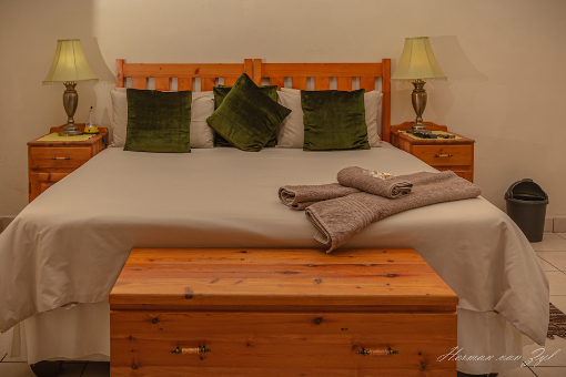 Resthaven Guesthouse King Size Bed
