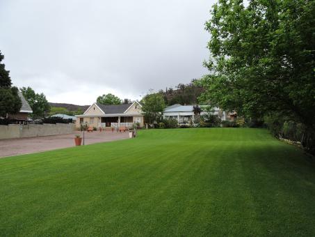 Spacious Lawns